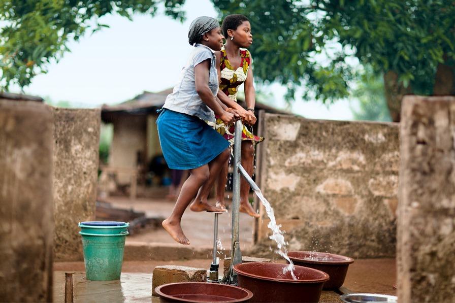 Tento vrt poskytuje komunitný zdroj vody v Sérihio, Pobrežie Slonoviny © Nestlé/flickr.com