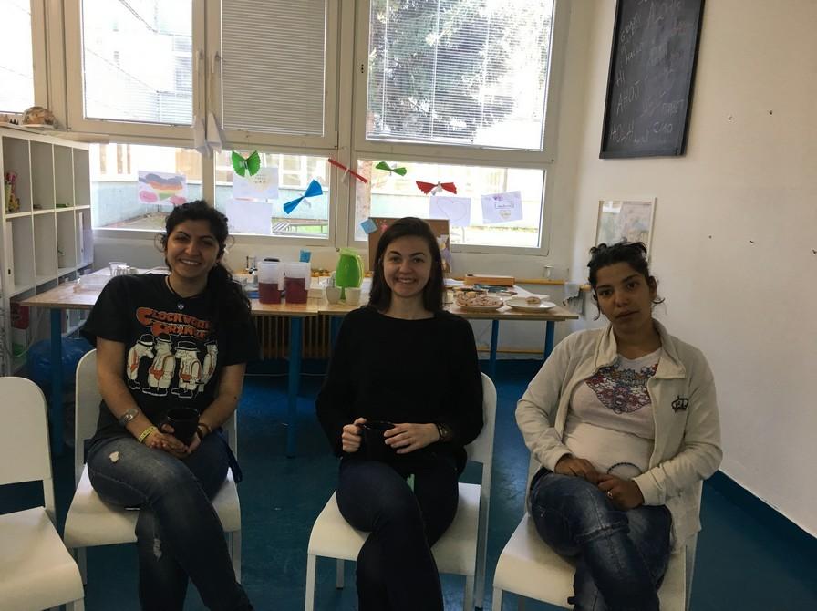Talianka Silvia, Ukrajinka Oľga a nepočujúca Veronika sa s radosťou  zúčastnili kurzu.