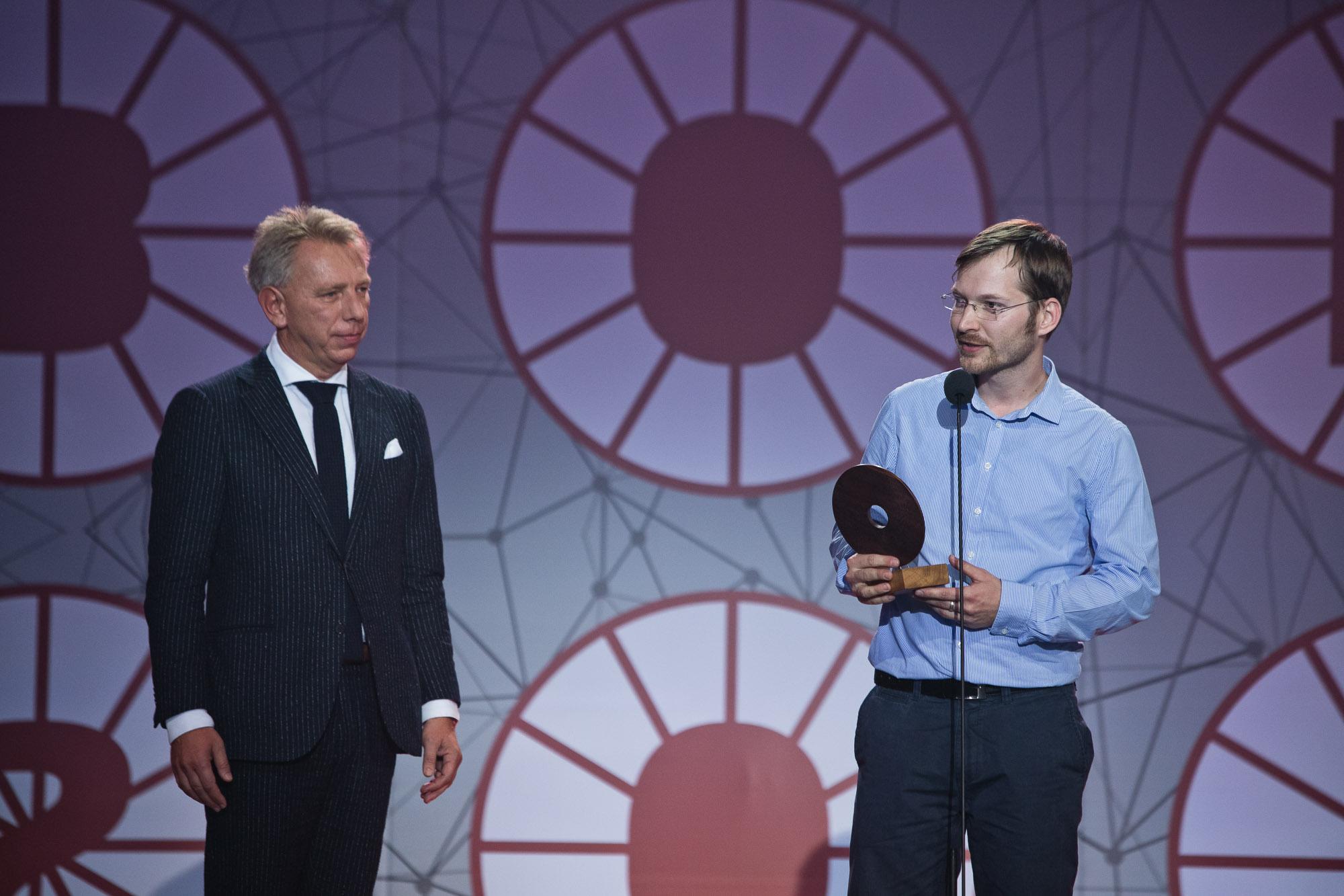 Mirety Dian, spoluzakladateľ spoločnosti 2brothers, si prevzial ocenenie v kategórii Zelená firma.