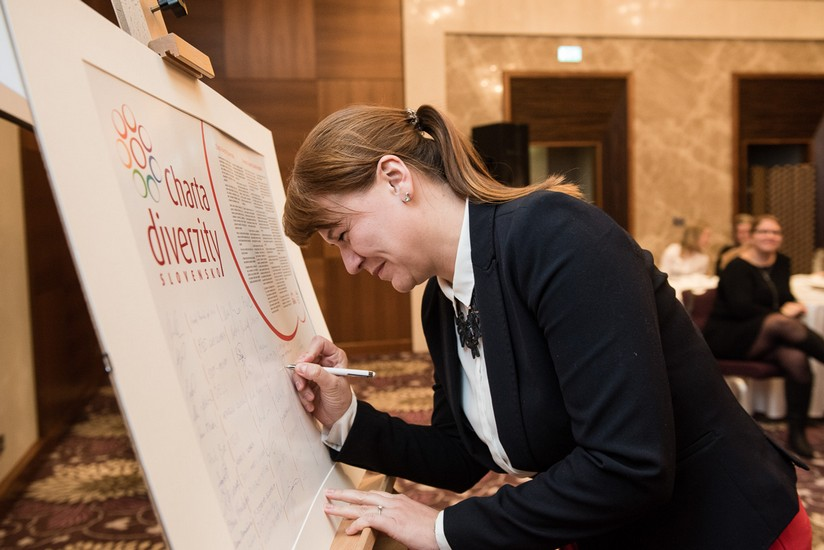 30-pontis-podpis-charty-diverzity-online.jpg