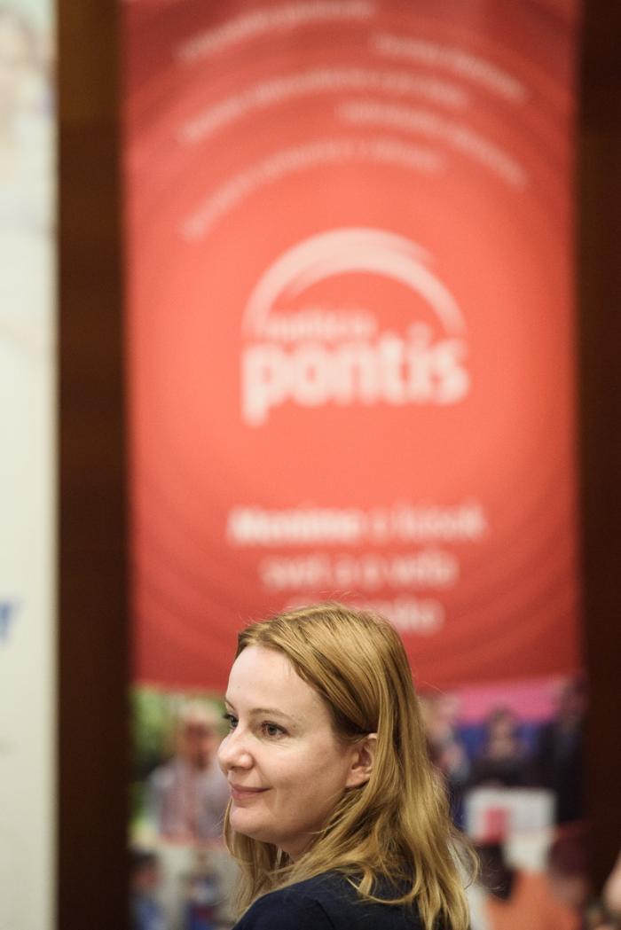 t1-72-pontis-podpis-charty-nov2017-online.jpg