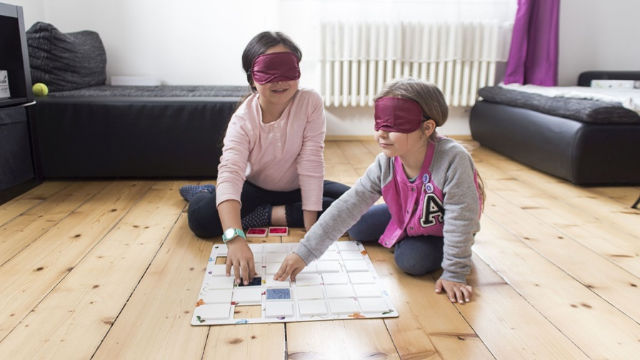 Memonik can be used as a sensory or educational aid (for instance in Montessori education).