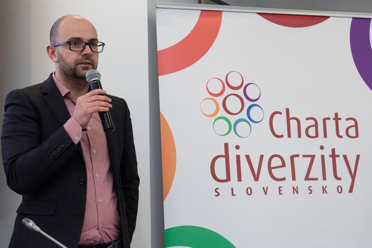 003-2018-podpis-charty-diverzity-29nov2018-fb.jpg
